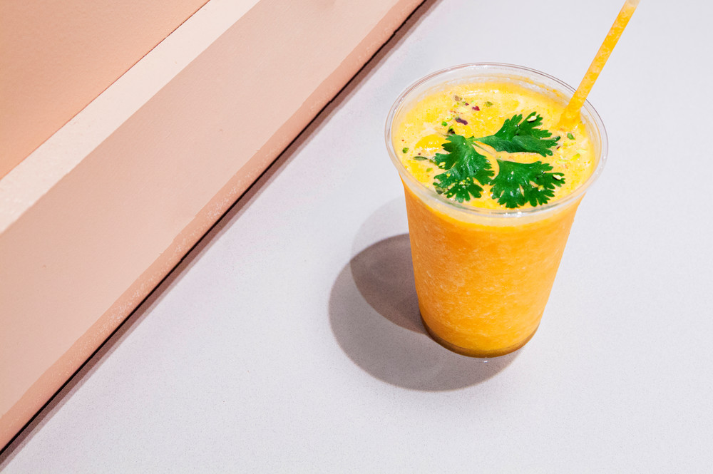 new-smoothie-bar-brings-technicolored-superfood-to-nyc-nyc-s-canal-street-market-opens-food-hall-5924527bbe67ff0f34d4e2d6-w1000_h1000.jpg