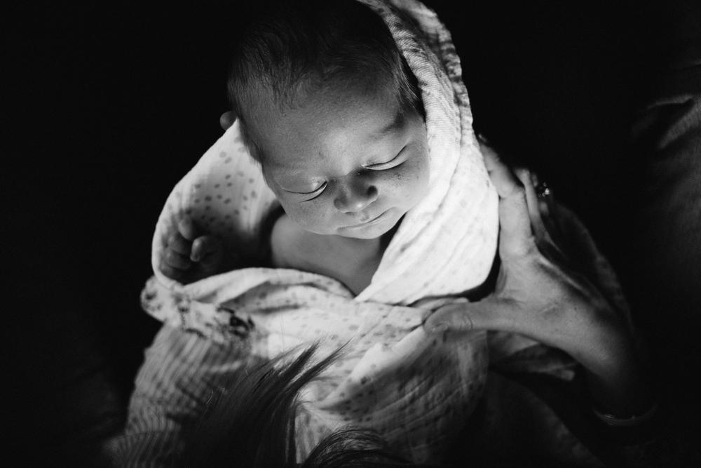 dogwoodphotography_photographer_vancouver_family_newborn_babytyler-73.jpg