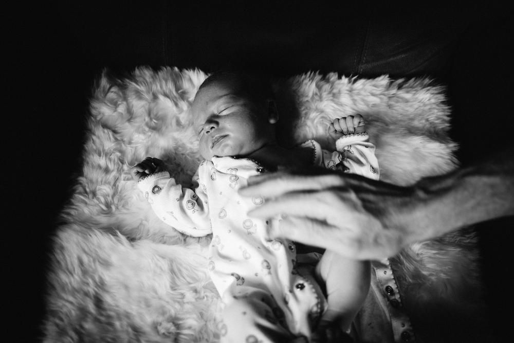 dogwoodphotography_photographer_vancouver_family_newborn_babytyler-93.jpg