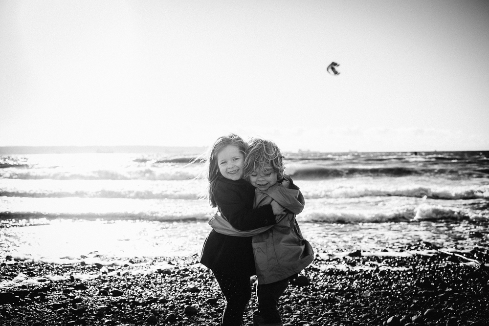 dogwoodphotography_photographer_vancouver_child_cousins-2.jpg