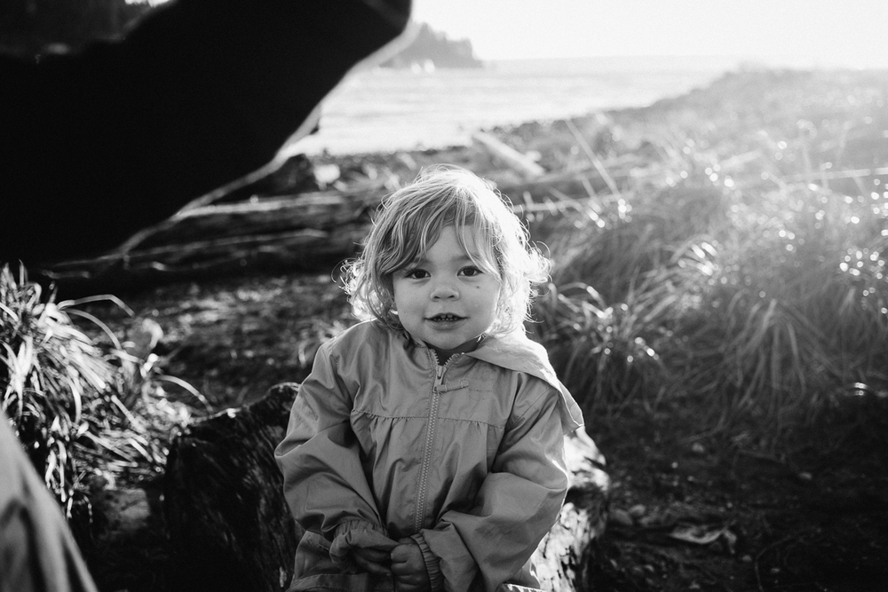 dogwoodphotography_photographer_vancouver_child_cousins-4.jpg