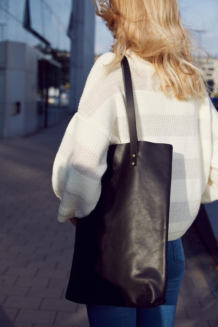 LELLOR_tote-bag-tasche-schwarz-leder.jpg