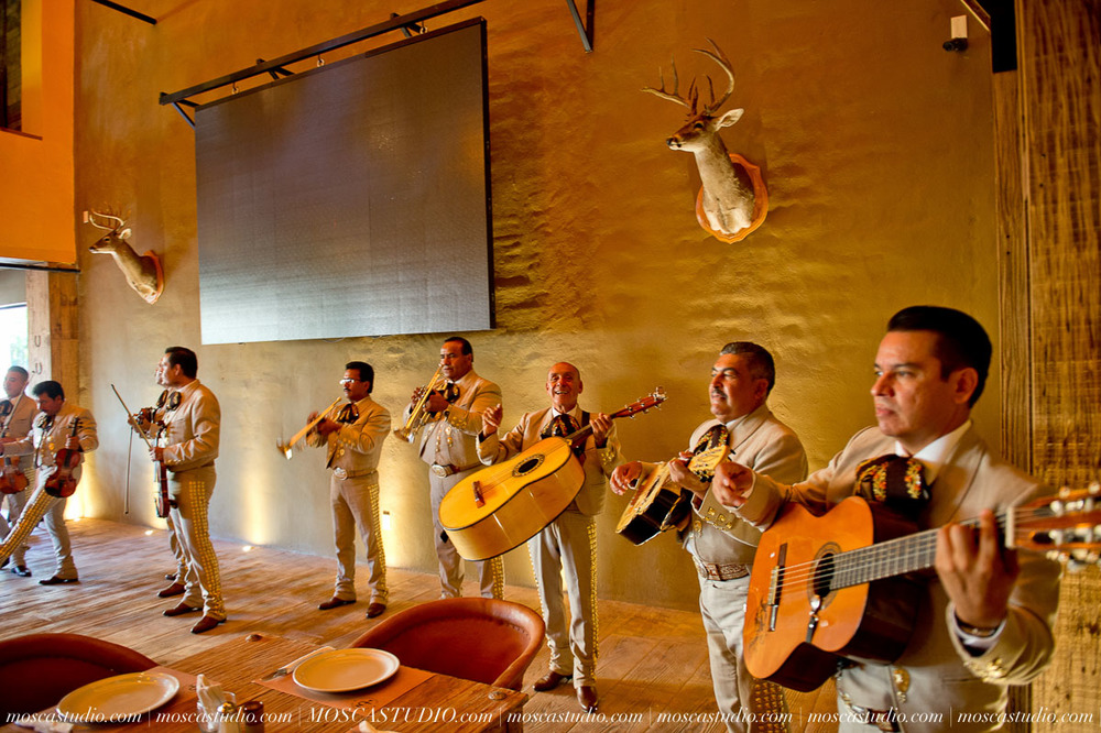 00106-MoscaStudio-Hacienda-La-Escoba-Guadalajara-Mexico-wedding-photography-20150814-SOCIALMEDIA.jpg