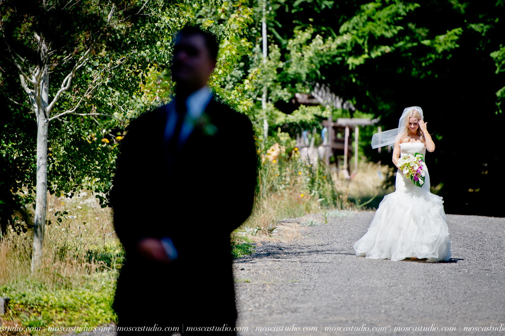0021-moscastudio-gorge-crest-vineyard-wedding-photography-abraham-rebecca-81714.jpg
