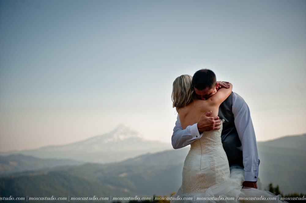 0126-moscastudio-gorge-crest-vineyard-wedding-photography-abraham-rebecca-81714.jpg