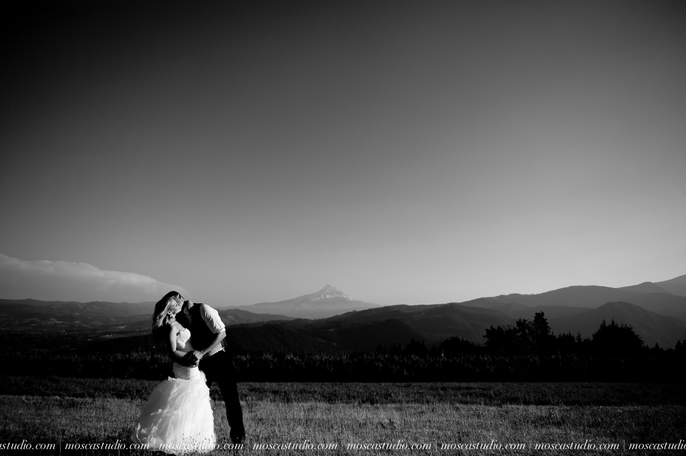 0157-moscastudio-gorge-crest-vineyard-wedding-photography-abraham-rebecca-81714.jpg