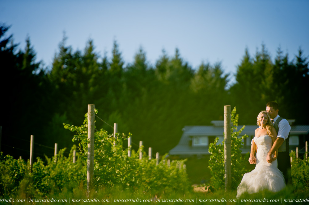 0160-moscastudio-gorge-crest-vineyard-wedding-photography-abraham-rebecca-81714.jpg