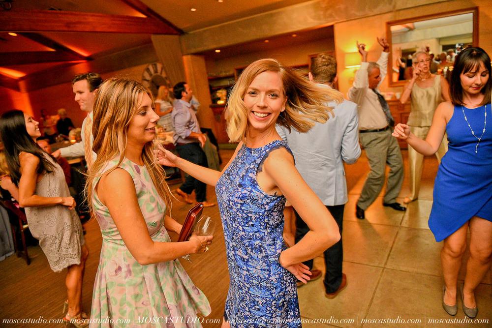 01820-MoscaStudio-LaurellBryce-Ramekins-Culinary-School-Sonoma-California-Wedding-20150919-SOCIALMEDIA-SOCIALMEDIA.jpg