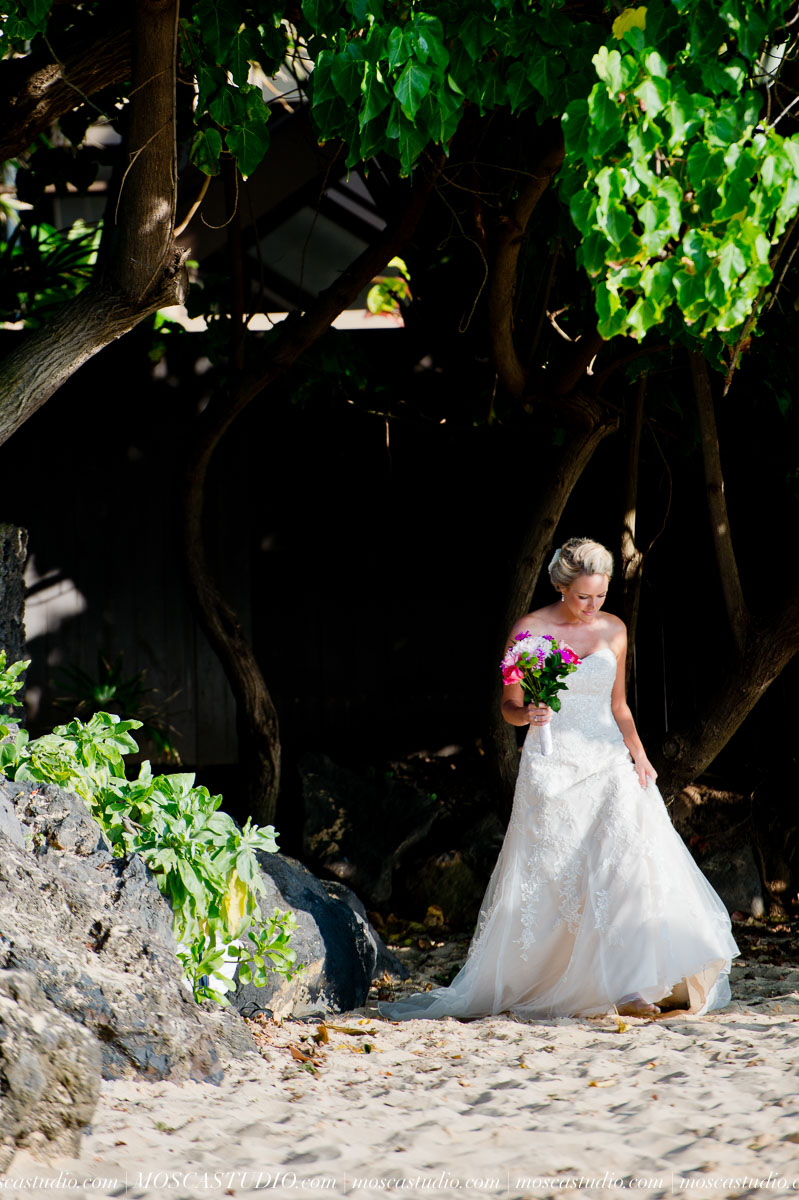 00063-MoscaStudio-AprilRyan-Maui-Hawaii-Wedding-Photography-20151009-SOCIALMEDIA.jpg