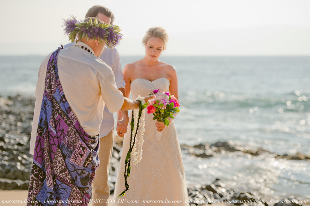 00132-MoscaStudio-AprilRyan-Maui-Hawaii-Wedding-Photography-20151009-SOCIALMEDIA.jpg