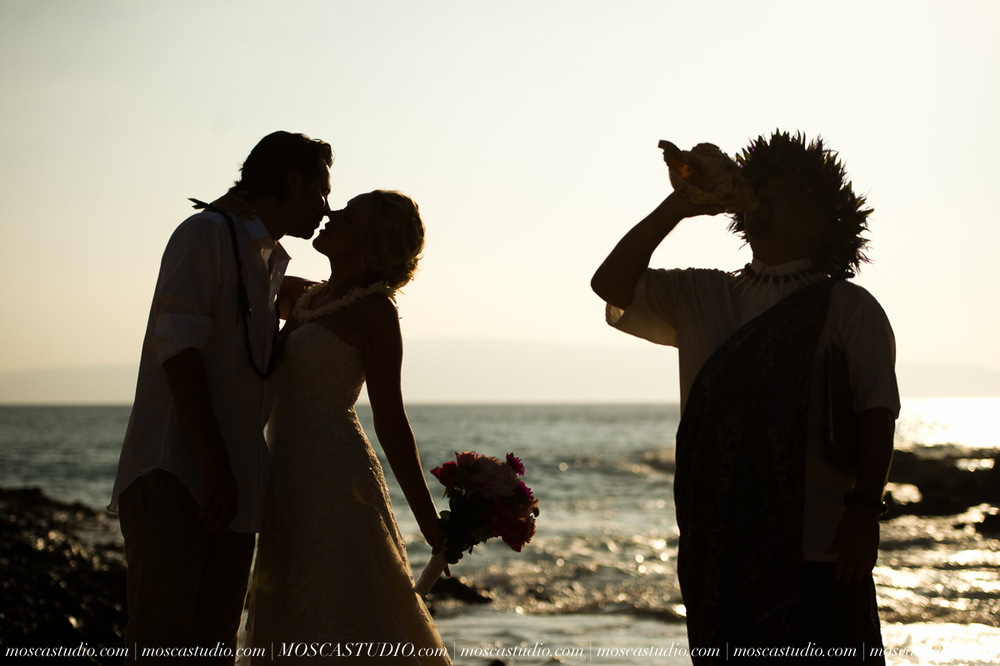 00365-MoscaStudio-AprilRyan-Maui-Hawaii-Wedding-Photography-20151009-SOCIALMEDIA.jpg