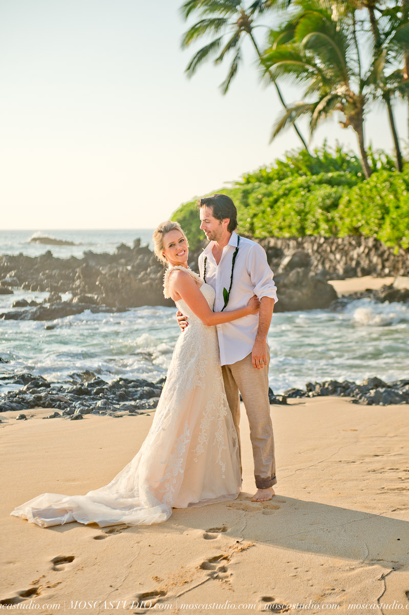 00430-MoscaStudio-AprilRyan-Maui-Hawaii-Wedding-Photography-20151009-SOCIALMEDIA.jpg