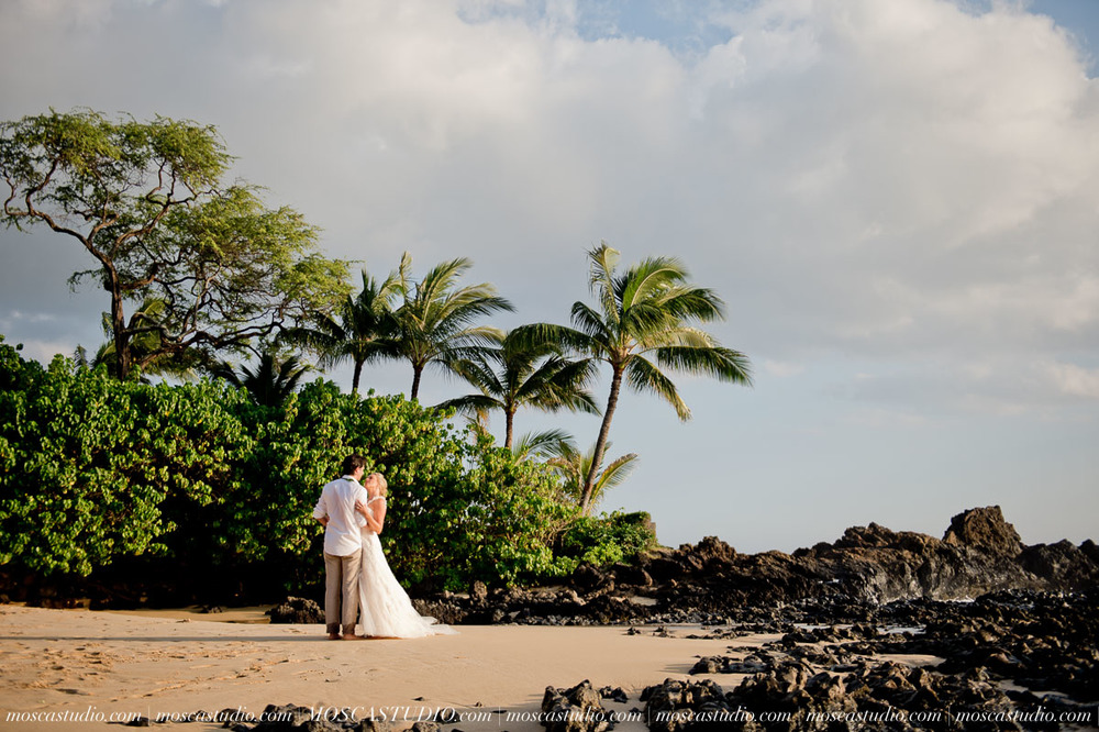 00446-MoscaStudio-AprilRyan-Maui-Hawaii-Wedding-Photography-20151009-SOCIALMEDIA.jpg