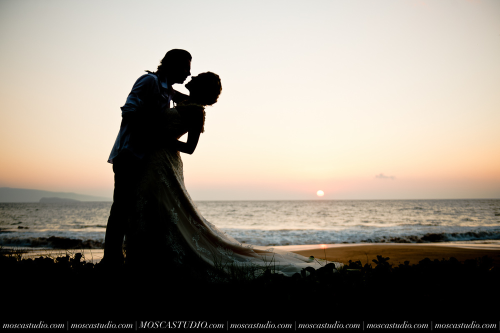 00577-MoscaStudio-AprilRyan-Maui-Hawaii-Wedding-Photography-20151009-SOCIALMEDIA.jpg