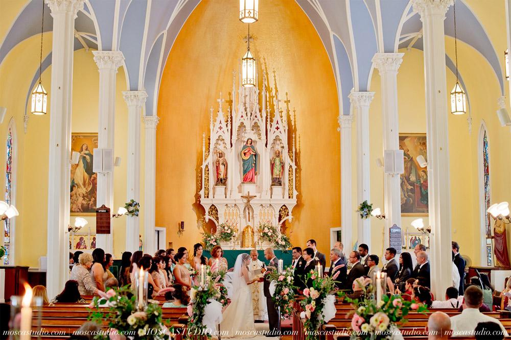 0571-MoscaStudio-Mt-Hood-Bed-and-Breakfast-Wedding-Photography-20150718-SOCIALMEDIA.jpg