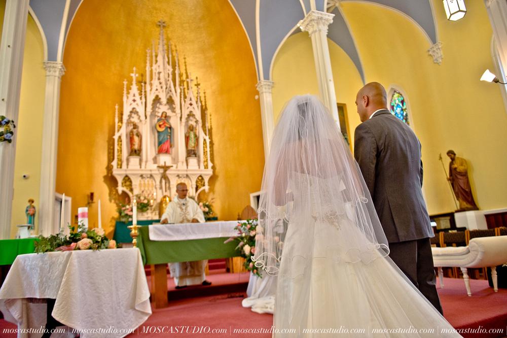 0587-MoscaStudio-Mt-Hood-Bed-and-Breakfast-Wedding-Photography-20150718-SOCIALMEDIA.jpg