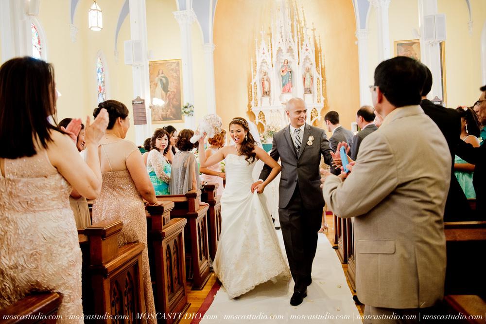 0787-MoscaStudio-Mt-Hood-Bed-and-Breakfast-Wedding-Photography-20150718-SOCIALMEDIA.jpg
