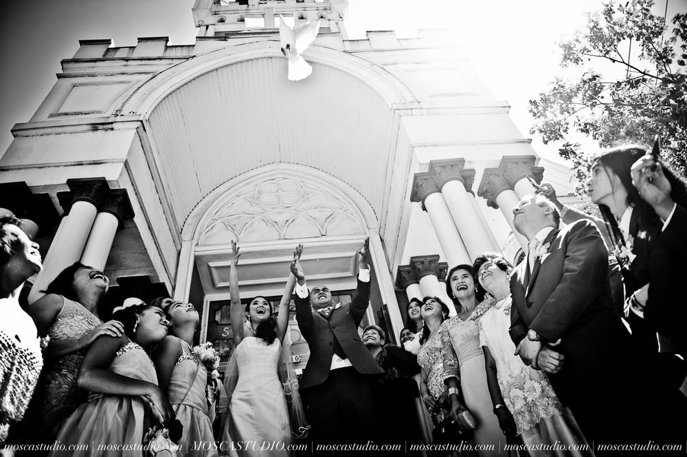 0825-MoscaStudio-Mt-Hood-Bed-and-Breakfast-Wedding-Photography-20150718-SOCIALMEDIA.jpg