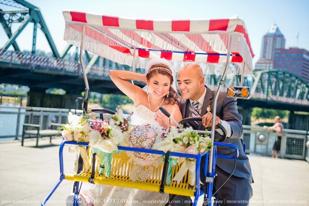 1121-MoscaStudio-Mt-Hood-Bed-and-Breakfast-Wedding-Photography-20150718-SOCIALMEDIA.jpg