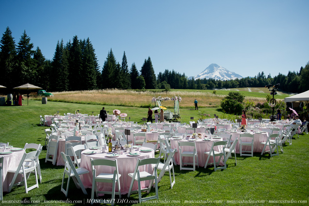1185-MoscaStudio-Mt-Hood-Bed-and-Breakfast-Wedding-Photography-20150718-SOCIALMEDIA.jpg