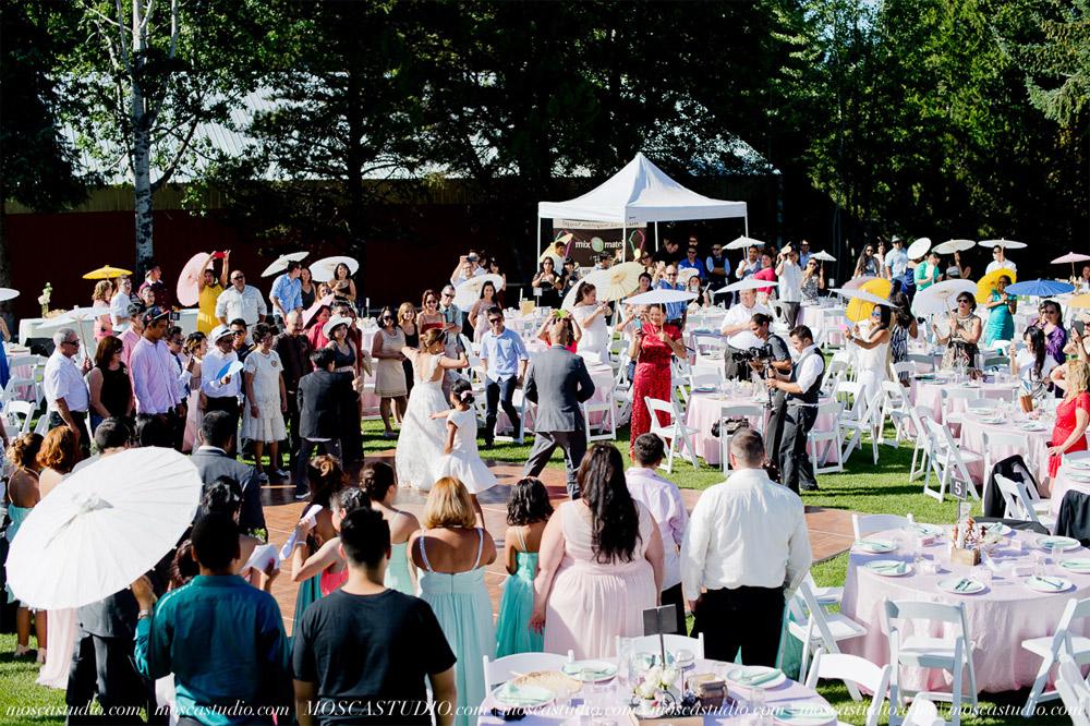 1342-MoscaStudio-Mt-Hood-Bed-and-Breakfast-Wedding-Photography-20150718-SOCIALMEDIA.jpg