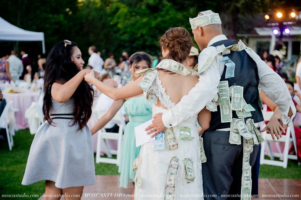 1828-MoscaStudio-Mt-Hood-Bed-and-Breakfast-Wedding-Photography-20150718-SOCIALMEDIA.jpg
