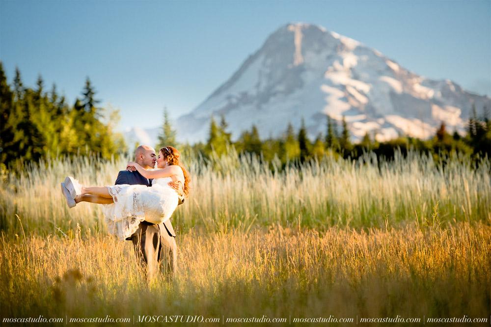1830-MoscaStudio-Mt-Hood-Bed-and-Breakfast-Wedding-Photography-20150718-SOCIALMEDIA.jpg