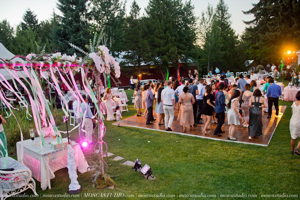 2009-MoscaStudio-Mt-Hood-Bed-and-Breakfast-Wedding-Photography-20150718-SOCIALMEDIA.jpg