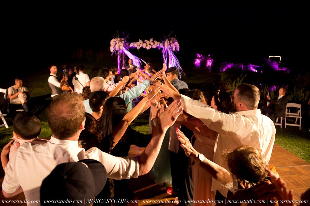 2160-MoscaStudio-Mt-Hood-Bed-and-Breakfast-Wedding-Photography-20150718-SOCIALMEDIA.jpg