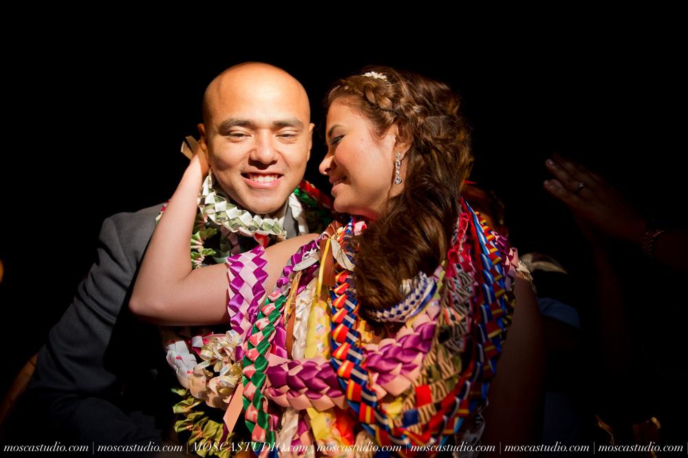 2184-MoscaStudio-Mt-Hood-Bed-and-Breakfast-Wedding-Photography-20150718-SOCIALMEDIA.jpg