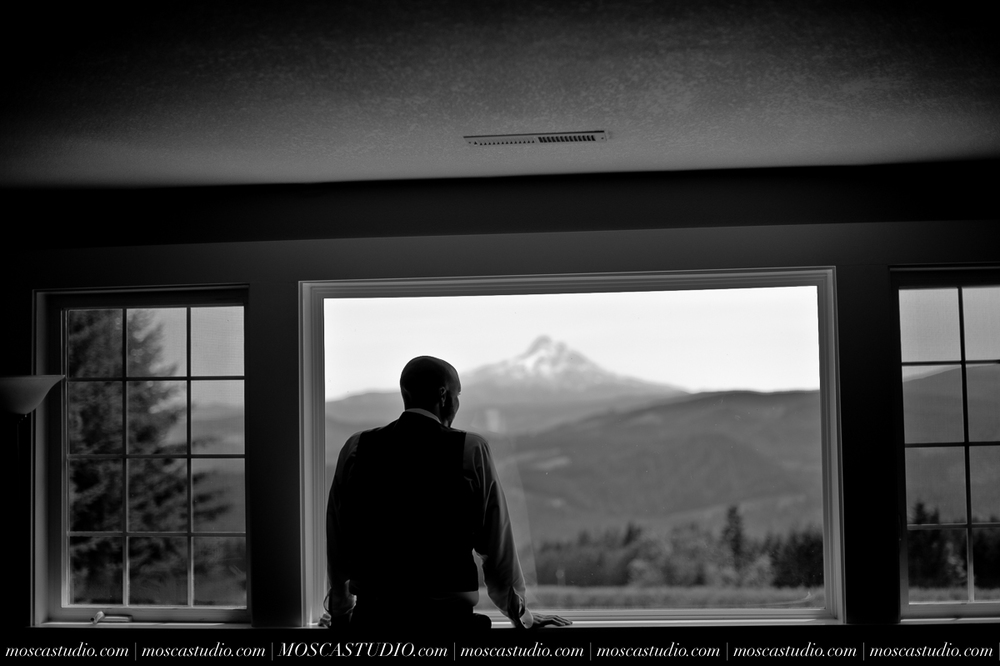 6187-MoscaStudio-Gorge-Crest-Vineyard-Wedding-Photography-20150801-SOCIALMEDIA.jpg