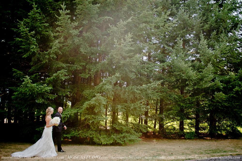 6324-MoscaStudio-Gorge-Crest-Vineyard-Wedding-Photography-20150801-SOCIALMEDIA.jpg