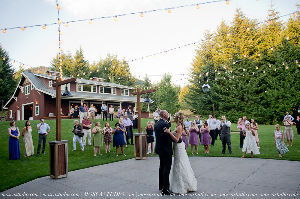 8096-MoscaStudio-Gorge-Crest-Vineyard-Wedding-Photography-20150801-SOCIALMEDIA.jpg