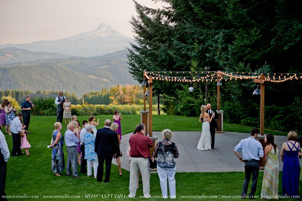 8099-MoscaStudio-Gorge-Crest-Vineyard-Wedding-Photography-20150801-SOCIALMEDIA.jpg