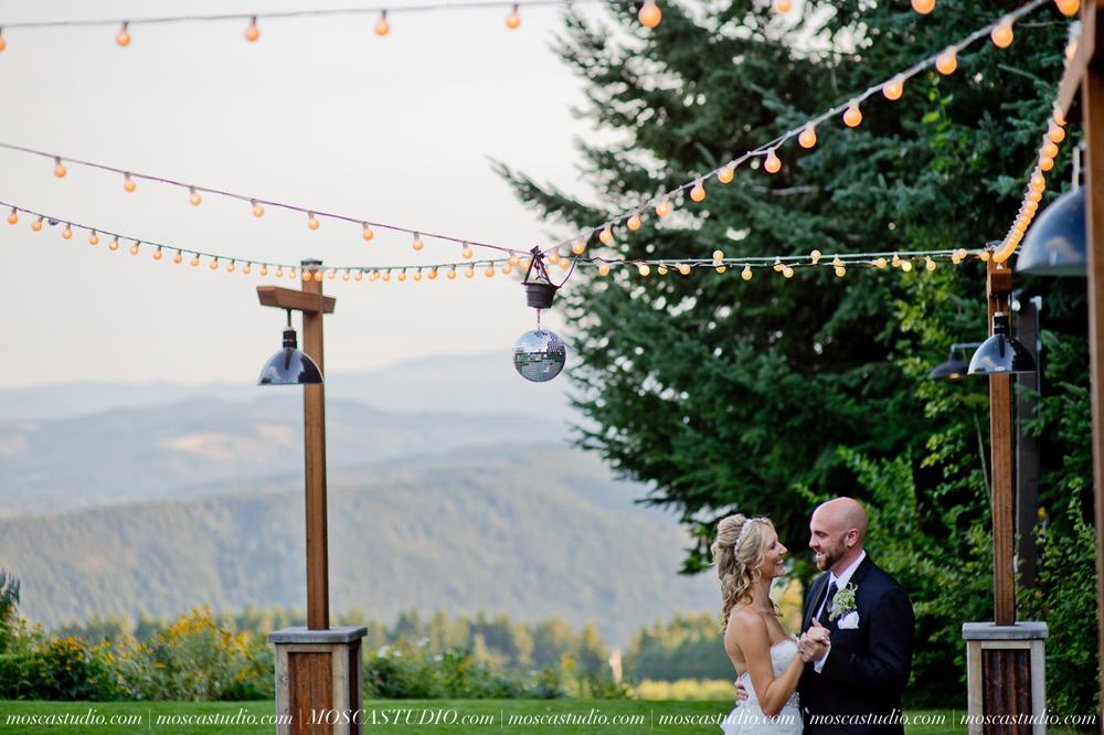 8247-MoscaStudio-Gorge-Crest-Vineyard-Wedding-Photography-20150801-SOCIALMEDIA.jpg