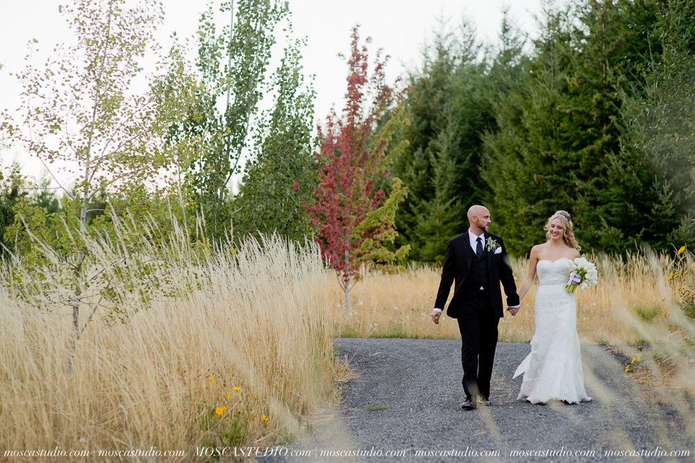 8354-MoscaStudio-Gorge-Crest-Vineyard-Wedding-Photography-20150801-SOCIALMEDIA.jpg