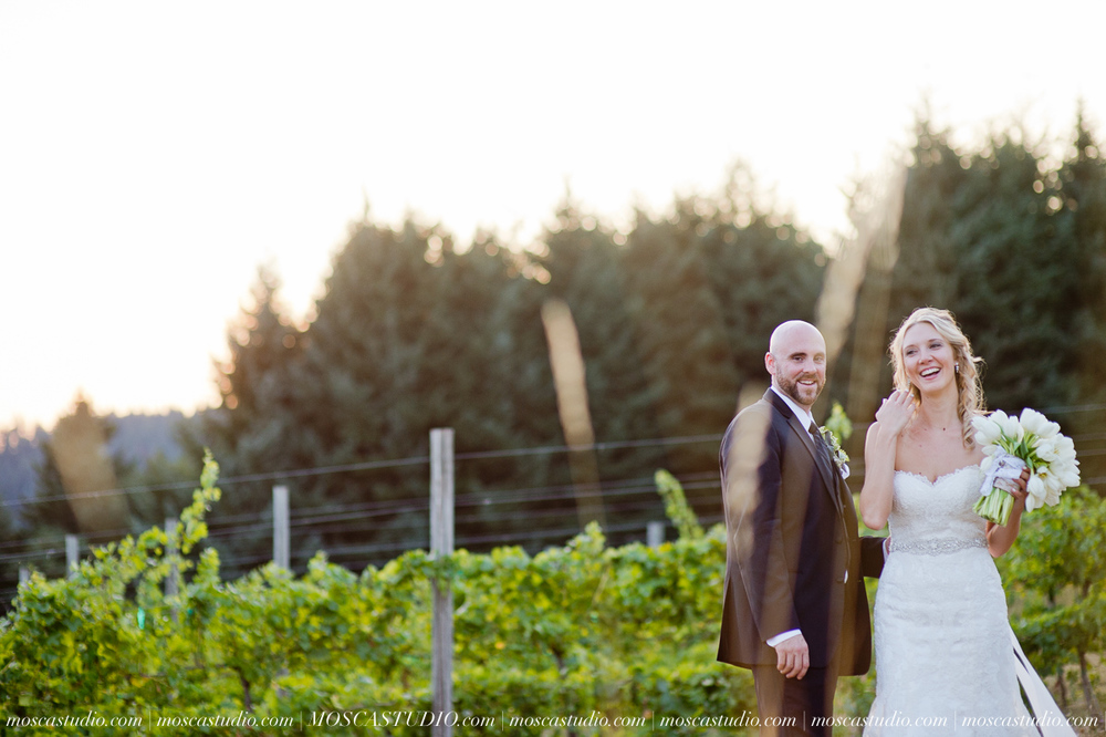 8359-MoscaStudio-Gorge-Crest-Vineyard-Wedding-Photography-20150801-SOCIALMEDIA.jpg