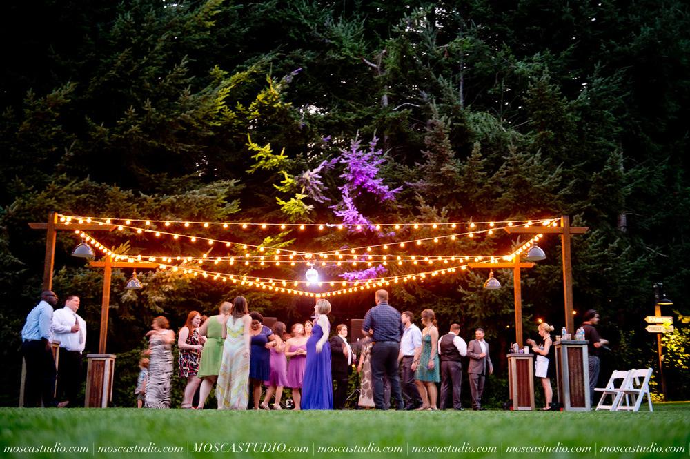8425-MoscaStudio-Gorge-Crest-Vineyard-Wedding-Photography-20150801-SOCIALMEDIA.jpg