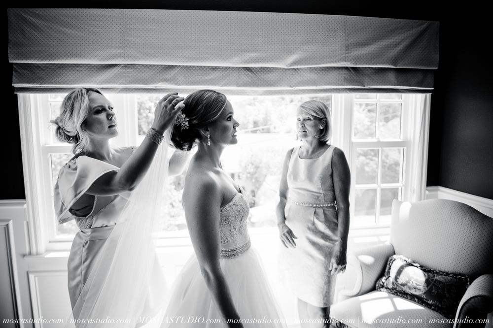 0009-MoscaStudio-Portland-Wedding-Photography-20150808-SOCIALMEDIA.jpg