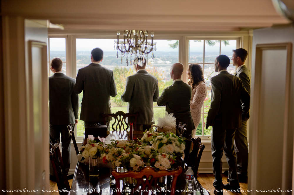 0012-MoscaStudio-Portland-Wedding-Photography-20150808-SOCIALMEDIA.jpg