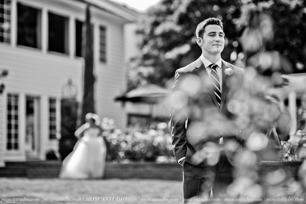 0016-MoscaStudio-Portland-Wedding-Photography-20150808-SOCIALMEDIA.jpg