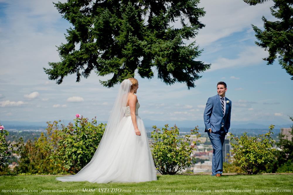 0019-MoscaStudio-Portland-Wedding-Photography-20150808-SOCIALMEDIA.jpg