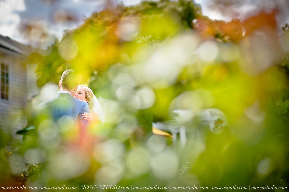 0022-MoscaStudio-Portland-Wedding-Photography-20150808-SOCIALMEDIA.jpg