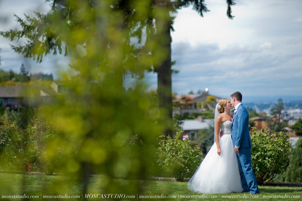 0024-MoscaStudio-Portland-Wedding-Photography-20150808-SOCIALMEDIA.jpg