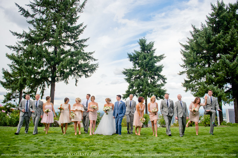 0034-MoscaStudio-Portland-Wedding-Photography-20150808-SOCIALMEDIA.jpg