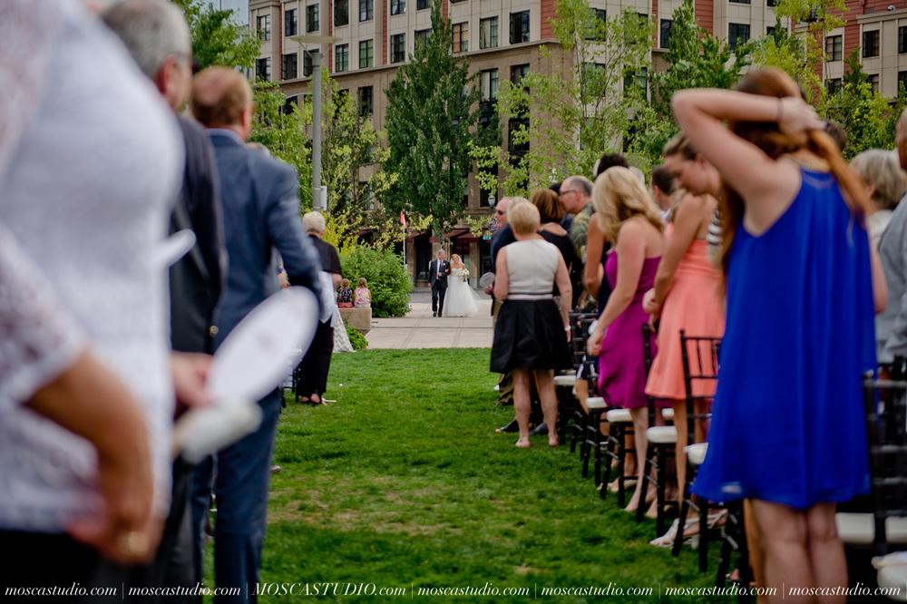 0064-MoscaStudio-Portland-Wedding-Photography-20150808-SOCIALMEDIA.jpg