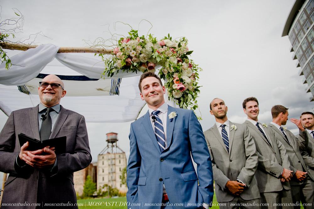 0066-MoscaStudio-Portland-Wedding-Photography-20150808-SOCIALMEDIA.jpg