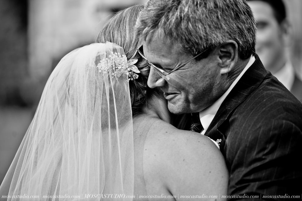 0072-MoscaStudio-Portland-Wedding-Photography-20150808-SOCIALMEDIA.jpg
