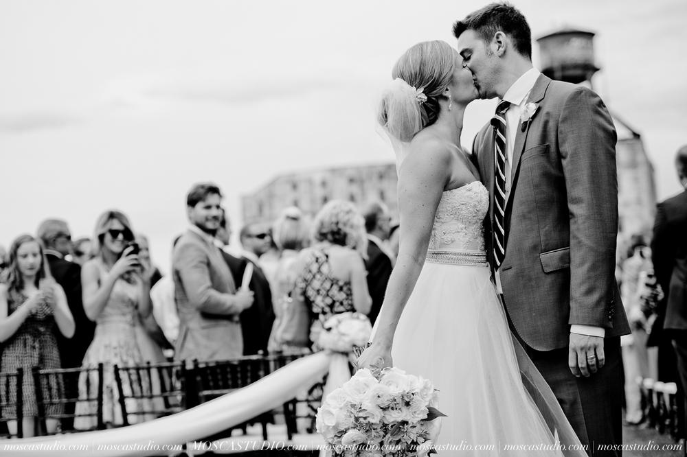 0090-MoscaStudio-Portland-Wedding-Photography-20150808-SOCIALMEDIA.jpg