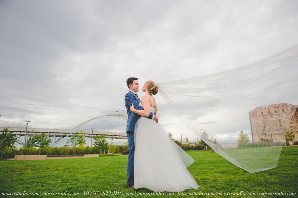 0097-MoscaStudio-Portland-Wedding-Photography-20150808-SOCIALMEDIA.jpg